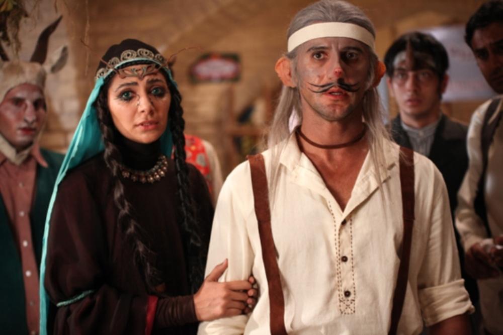 امین حیایی و نیلوفر خوش خلق در فیلم «اختاپوس; پیشونی سفید»