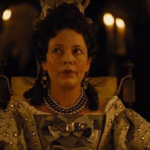 الیویا کلمن در نمایی از فیلم  «سوگلی» (The Favourite)