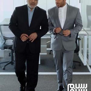 محمدرضا گلزار و مهران مدیری در فیلم «رحمان 1400»