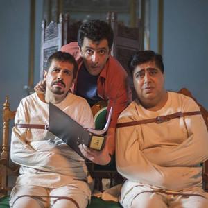 مجید یاسر، جواد رضویان و رضا شفیعی جم در فیلم «دم سرخ ها»