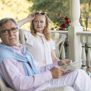 هنری چرنی و پاتریشا کلارکسون در سریال «اشیای تیز» (Sharp Objects)