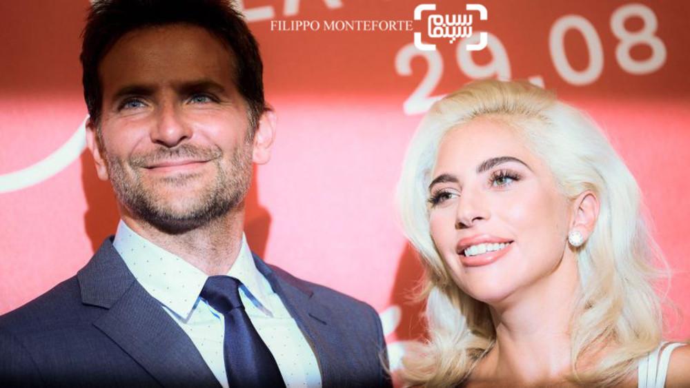 لیدی گاگا و بردلی کوپر در فوتوکال فیلم سینمایی ستاره ای متولد شد در جشنواره فیلم ونیز