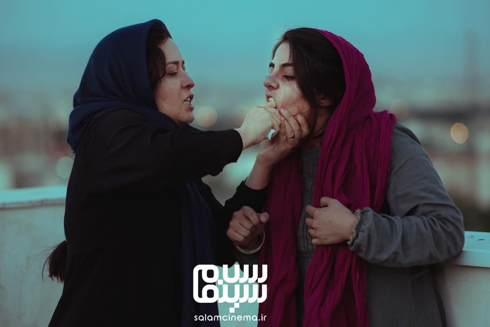 مهراوه شریفی نیا و سبا سلیمانی در فیلم «مدیترانه»