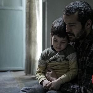 مجتبی پیرزاده در فیلم «رونا مادر عظیم»