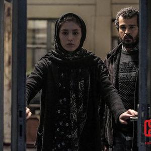 فرشته حسینی و مجتبی پیرزاده در فیلم «شکستن همزمان بیست استخوان»