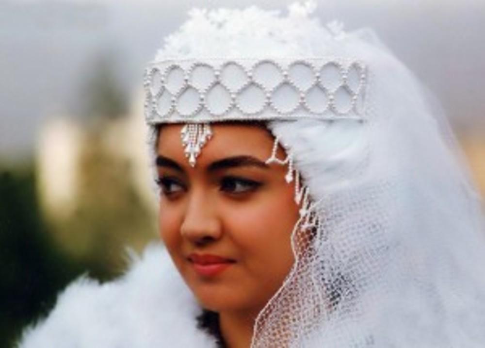 نیکی کریمی در نمایی از فیلم «عروس»
