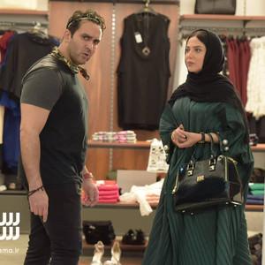 پوریا پورسرخ و لیلا اوتادی در فیلم سینمایی «سلام علیکم حاج آقا»