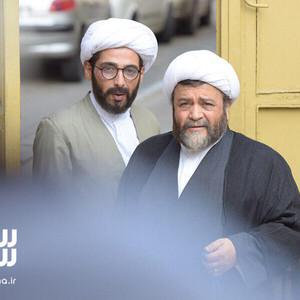 محمدرضا شریفی نیا و حمید گودرزی در فیلم «سلام علیکم حاج آقا»