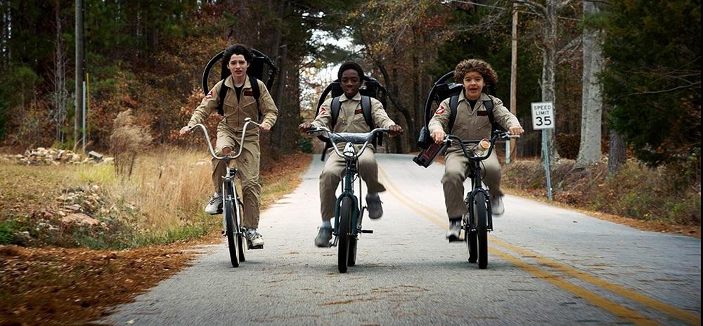فین ولفهارد، گیتن ماتارازو و کیلب مک لافلین در سریال «چیزهای عجیب» (Stranger Things)