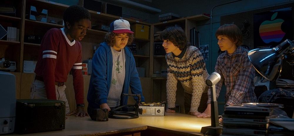 نوآ شاناپ، فین ولفهارد، گیتن ماتارازو و کیلب مک لافلین در سریال «چیزهای عجیب» (Stranger Things)