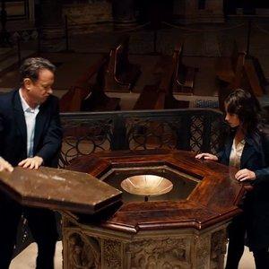 تام هنکس و فلیسیتی جونز در نمایی از «دوزخ»(Inferno)