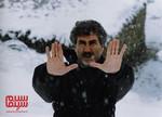 عزیز الله حمیدنژاد در پشت صحنه فیلم «اشک سرما»