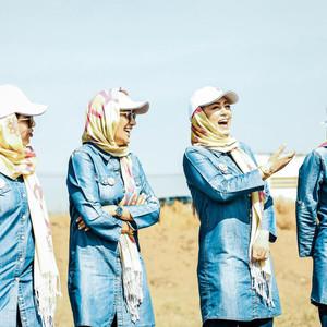 سحر قریشی، لیلا اوتادی، سمانه پاکدل و بهاره افشاری در نمایی از قسمت 6 سریال «13 شمالی»