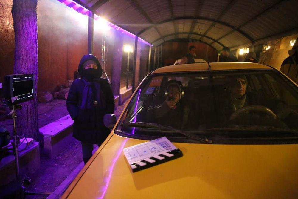 پشت صحنه فیلم سینمایی «زیر سقف دودی»