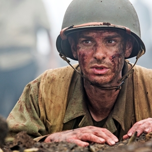 اندرو گارفیلد در فیلم «ستیغ ارهای» (Hacksaw Ridge)