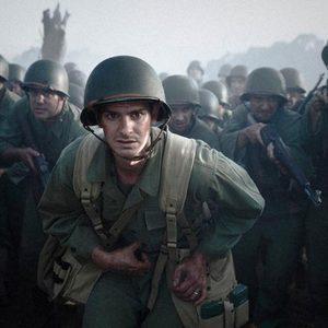 اندرو گارفیلد در نمایی از فیلم «ستیغ ارهای» (Hacksaw Ridge)