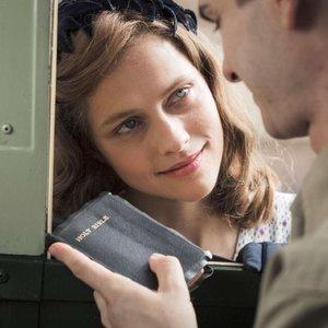 ترزا پالمر در فیلم «ستیغ ارهای» (Hacksaw Ridge)