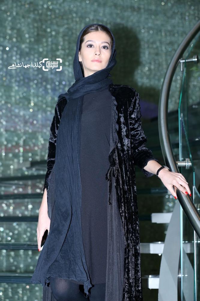 پردیس احمدیه در اکران خصوصی فیلم «لاک قرمز»