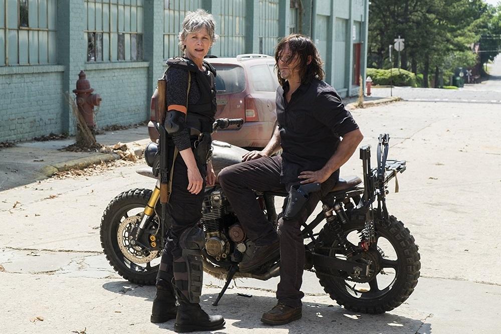 نورمن ریدوس و ملیسا مک براید در سریال «مردگان متحرک» (The Walking Dead)