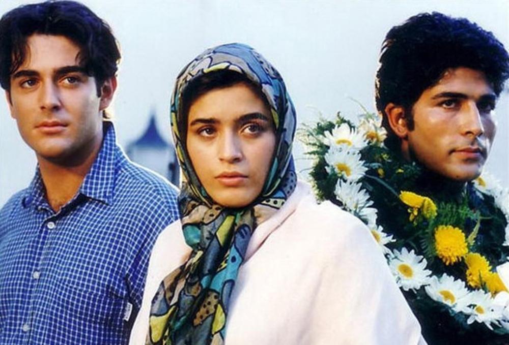 محمود کاکاوند، محمدرضا گلزار و نوشین حسین خانی در فیلم «سام و نرگس»