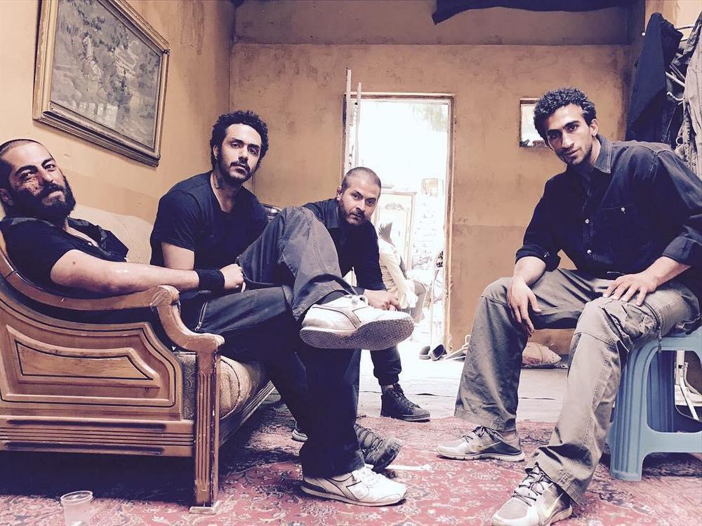 اشکان حسن پور، هامون سیدی، معین شاهچراغی و نوید پورفرج در پشت صحنه فیلم «مغزهای کوچک زنگ زده»
