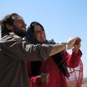 نمایی از فیلم حکایت عاشقی ساخته احمد رمضانزاده با بازی بهرام رادان و شیلان رحمانی