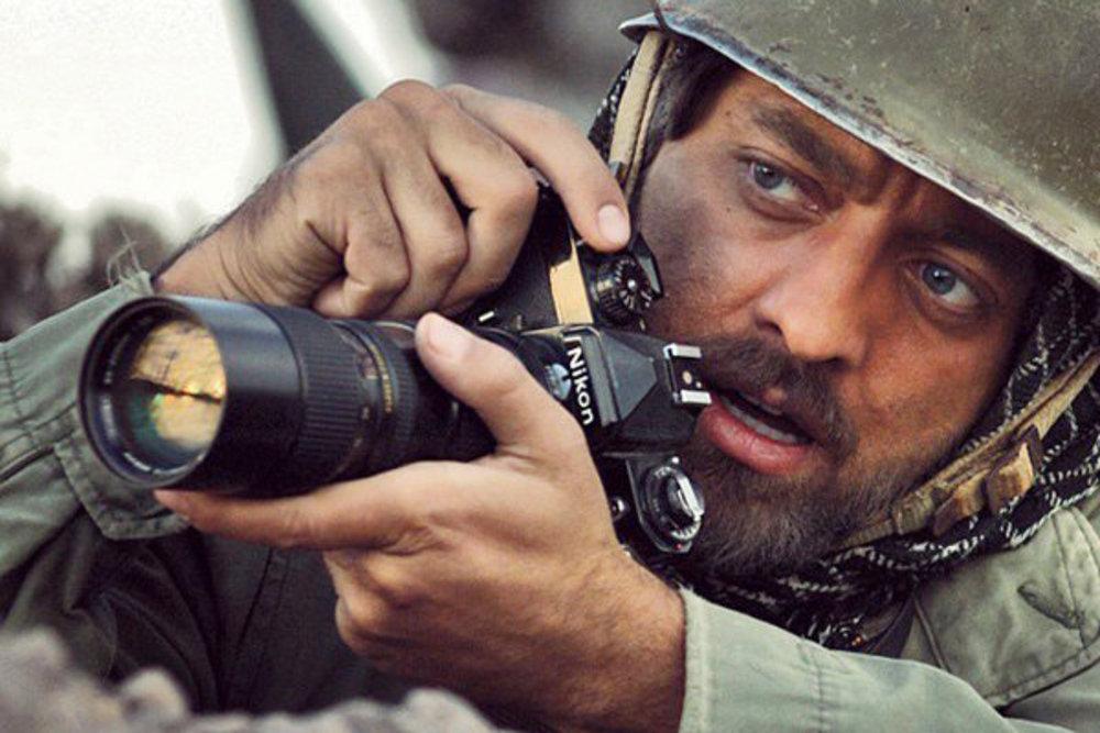 نقش احمد ناطقی با بازی بهرام رادان در فیلم حکایت عاشقی