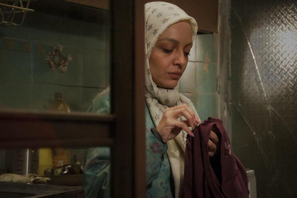 ساره بیات در نمایی از فیلم «بیست و یک روز بعد»