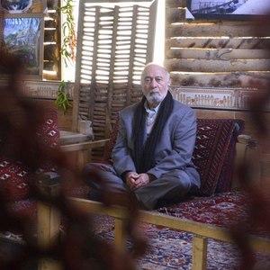 پرویز پورحسینی در فیلم «صدای منو می شنوید؟!» ساخته صادق پروینآشتیانی
