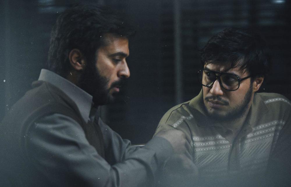 جواد عزتی و احمد مهران فر در فیلم «ماجرای نیمروز»
