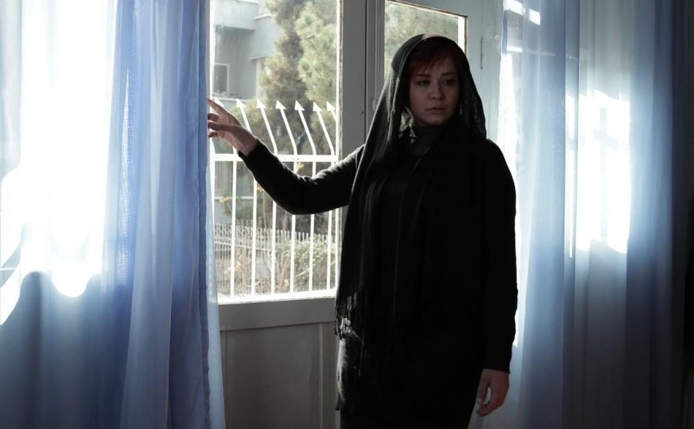 مهراوه شریفی نیا در فیلم «پرسه در حوالی من»