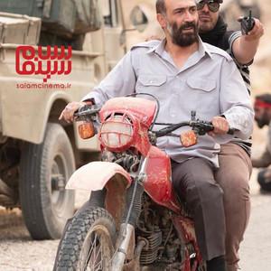 محمدحسین مهدویان و هادی حجازی فر در پشت صحنه فیلم «ماجرای نیمروز 2: رد خون»