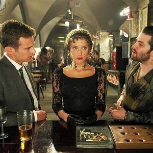 جیم استارگس، تئو جیمز و امبر هرد در فیلم سینمایی مراتع لندن (London Fields)