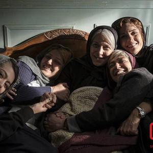 باران کوثری، سارا بهرامی، پردیس احمدیه، الهام کردا و رویا افشاری نسب در «سرکوب»