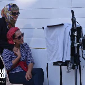آزیتا موگویی و مریلا زارعی در پشت صحنه فیلم «ایده اصلی»