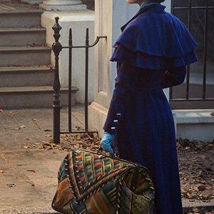 نمایی از بازگشت مری پاپینز (Mary Poppins Returns) با بازی امیلی بلانت