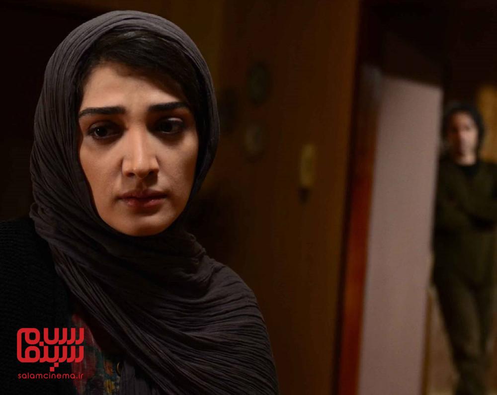 مینا ساداتی در فیلم سینمایی «تنها در چند دقیقه سکوت»