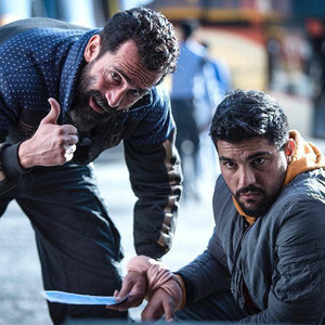 هادی حجازی فر و سینا مهراد در فیلم «ژن خوک»