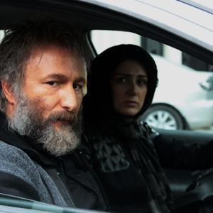 باران کوثری و رضا بهبودی در فیلم سینمایی «شنل»
