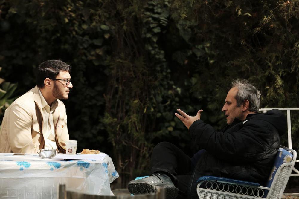 حمید نعمت الله و محمدرضا شفیعی در نمایی از پشت صحنه فیلم «شعله ور»