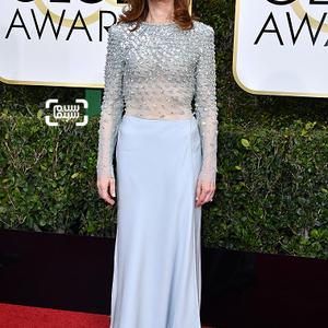 ایزابل هوپر برنده بهترین بازیگر زن درام برای فیلم «او»(Elle) در فرش قرمز گلدن گلاب