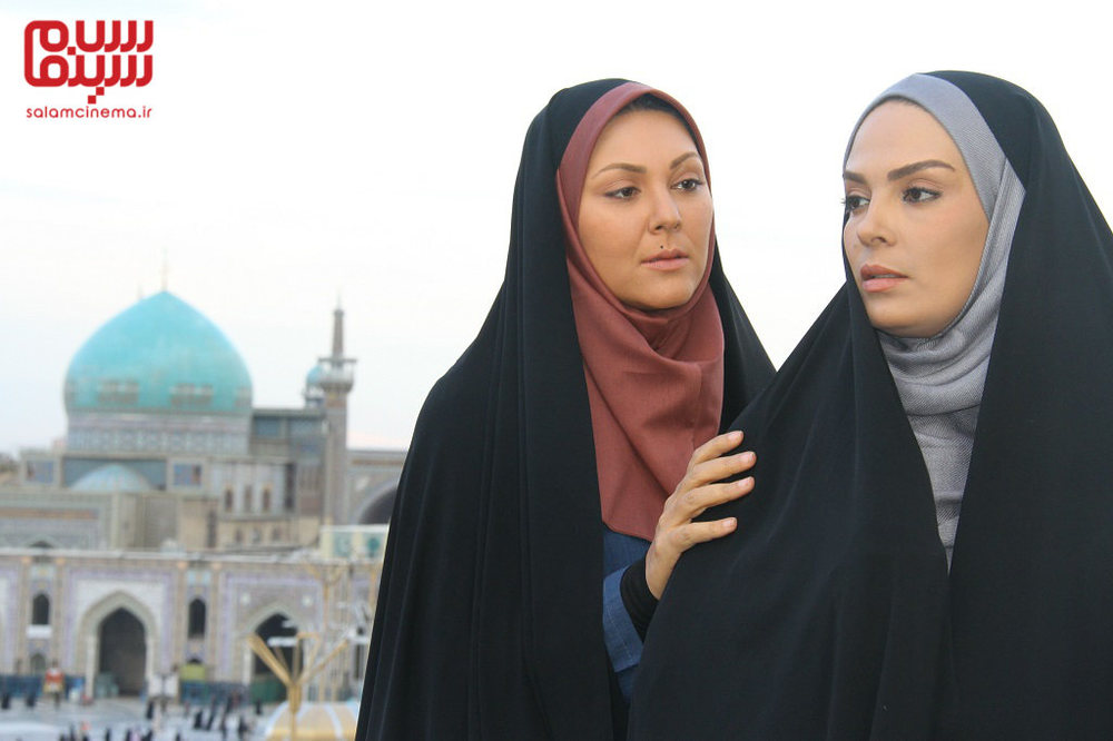 لاله اسکندری و سارا خوئینی ها در سریال «بی قرار»