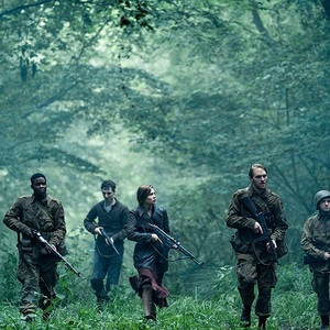 ویت راسل، جان ماگارو، دامینیک اپل وایت، جوان ادپو و ماتیلد اولیور در فیلم سینمایی «ارباب» (Overlord)