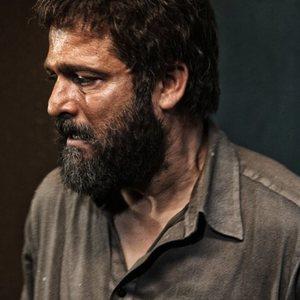 حسین یاری در فیلم مزار شریف ساخته عبدالحسن برزیده