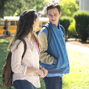 کاترین لانگفورد و برندون فلین در سریال «13 دلیل برای اینکه» (13 Reasons Why)