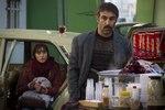 ترلان پروانه و محسن تنابنده در فیلم «فراری»