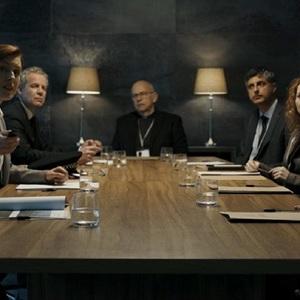 استوارت بومن، وینسنت فرانکلین و جینا مک کی در نمایی از سریال «بادیگارد» (Bodyguard)