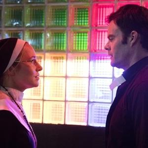 بیل هدر و سارا گلدبرگ در سریال «بری» (Barry)