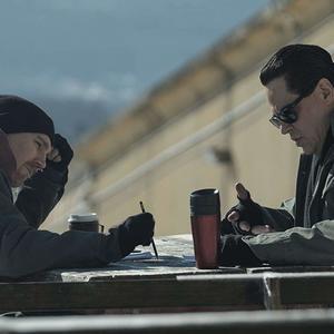 بنیسیو دل تورو و پل دینو در نمایی از سریال «فرار از دانمورا» (Escape at Dannemora)