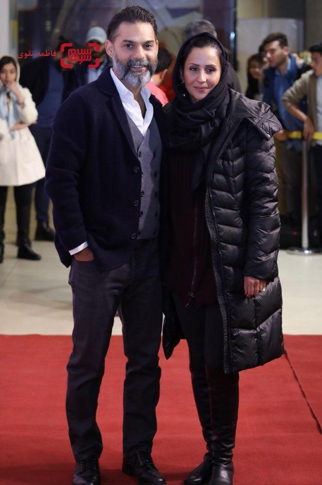 پیمان معادی و همسرش در اکران مردمی فیلم «بمب یک عاشقانه» در باغ کتاب
